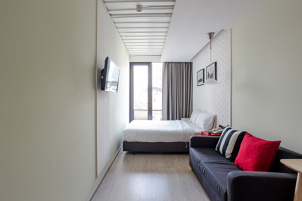 SleepBox-Sukhumvit-22- containers-chic- hostel-in-a-central-location (10)