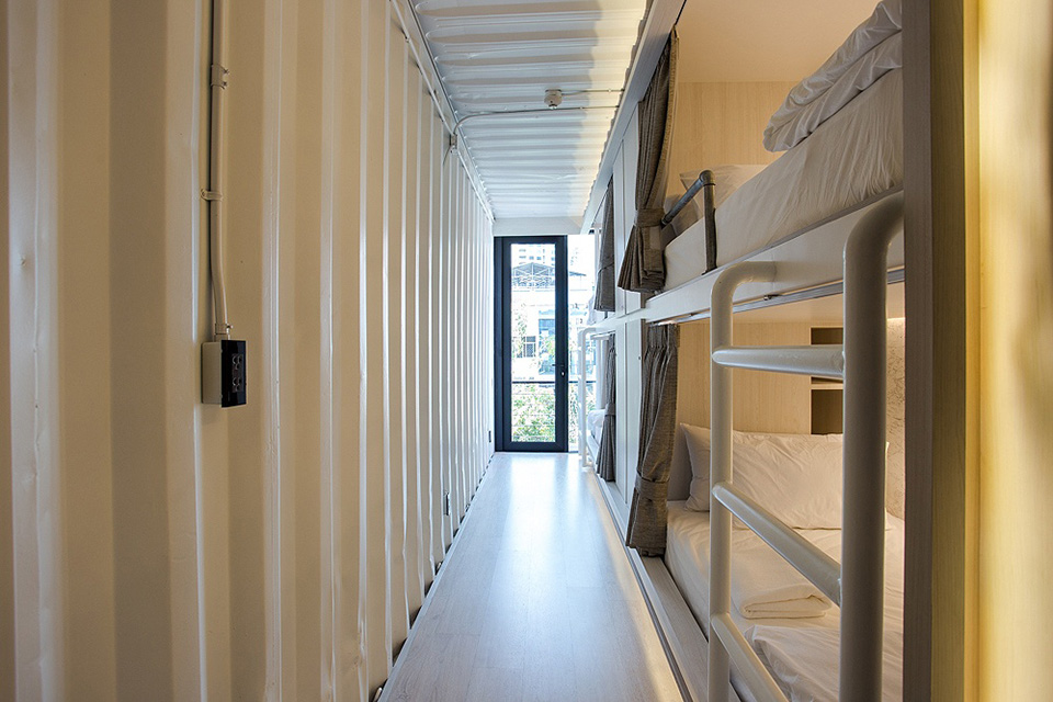 SleepBox-Sukhumvit-22- containers-chic- hostel-in-a-central-location (15)