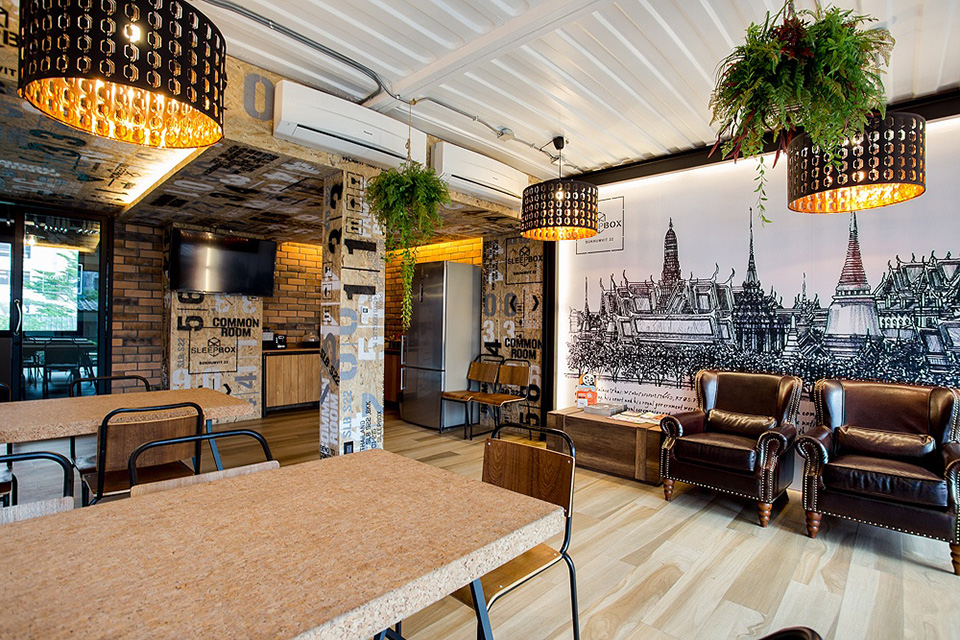 SleepBox-Sukhumvit-22- containers-chic- hostel-in-a-central-location (3)